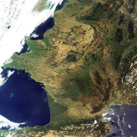la terre vue de l espace la france sans nuage belgium
