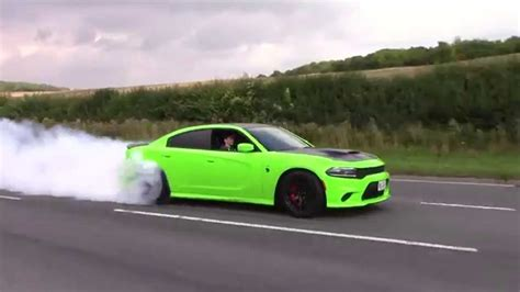 charger hellcat burnout dodge charger hellcat insane burnout accelerations