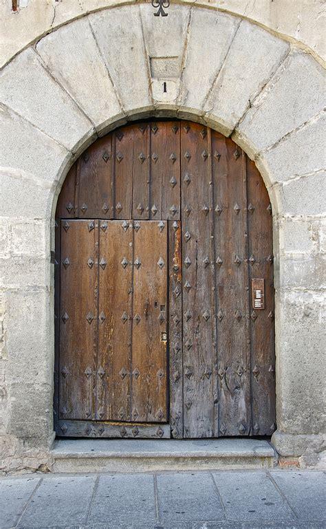 wooden doors peytonmeyernet