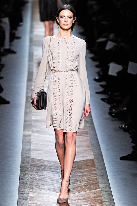 valentino spring  mfd multiple fashion disorder