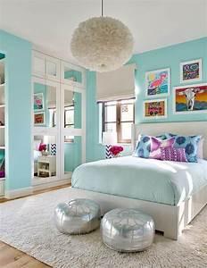 Bilder über Bett : gro e licht blaue schlafzimmer ideen in bezug auf die besten bilder ber t rkis raumdekorationen ~ Watch28wear.com Haus und Dekorationen