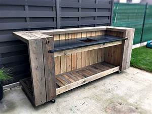 pallet outdoor kitchen bar o pallet ideas o 1001 pallets With what kind of paint to use on kitchen cabinets for wood base hurricane candle holders