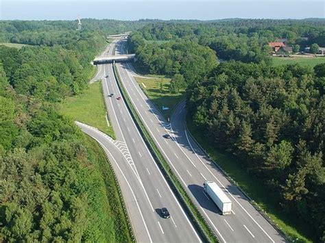 Granita Olanda - Belgia pe la Maastricht - YouTube