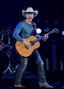 Dustin Lynch to perform full-on country rock when he opens ...
