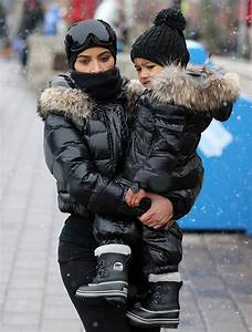 [PICS] Kim Kardashian u0026 North Westu2019s Matching Outfits Cute Snow Gear In Vail u2013 Hollywood Life