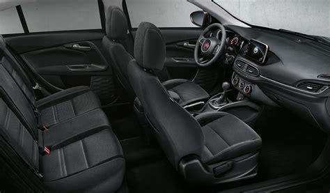 europcar siege nouveau fiat tipo sw intérieur spacieux et confortable