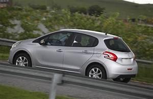 Pack Visibilité Peugeot 208 : auto esporte configura o active pack amplia oferta do peugeot 208 ~ Medecine-chirurgie-esthetiques.com Avis de Voitures