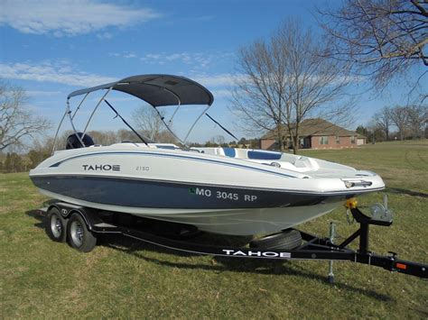 Tahoe Boats Factory tahoe 2150 deck boat w merc 150hp and a factory trailer