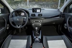 Renault Megane Akaju : fiche technique renault megane iii tce 115 energy life eco l 39 ~ Gottalentnigeria.com Avis de Voitures