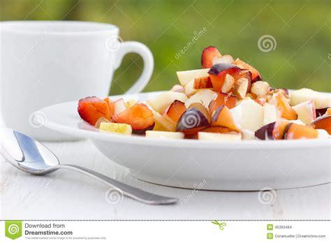 Frukost arkivfoto. Bild av medf8ort, green, ostmassa ...