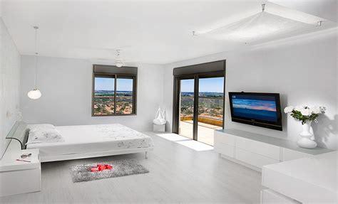 Minimalist Bedroom Ideas That Blend Aesthetics With