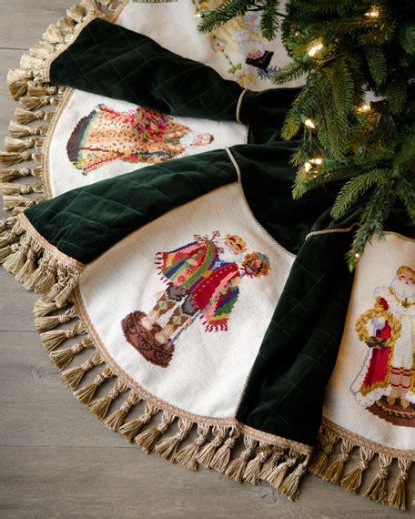 peking handicraft  world santas christmas tree skirt