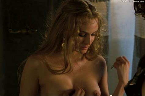 Diane Kruger Nude For A Necklace In Troy Photo 3 Nude