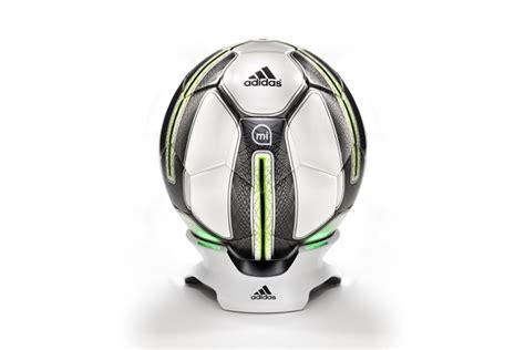 jeu de coupe du monde 2014 adidas dévoile le premier ballon connecté quot micoach smart