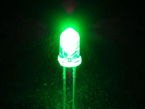 bright green 5mm led 25 pack id 300 8 00