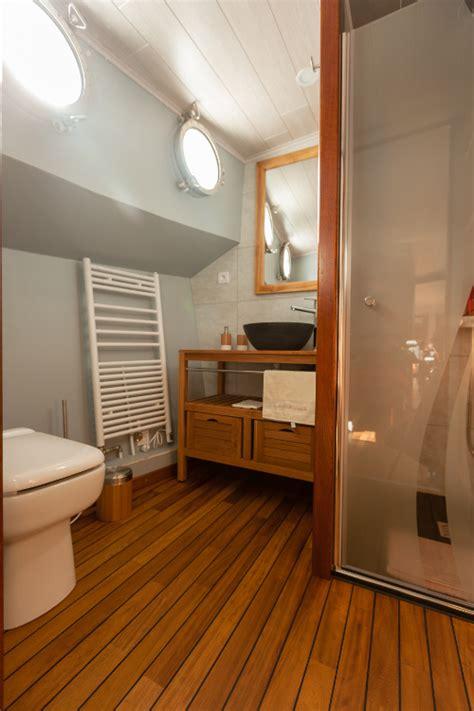 chambre d hote peniche lyon chambres d 39 hôtes péniche lasemouse chambres à genay dans