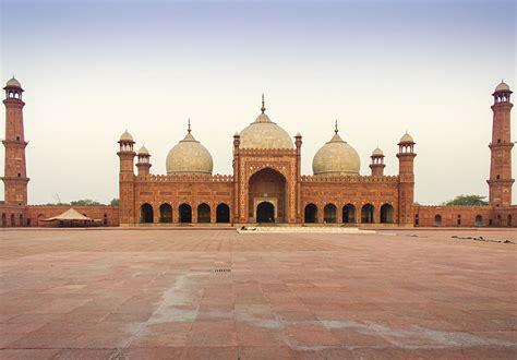 file badshahi mosque lahore king s mosque jpg