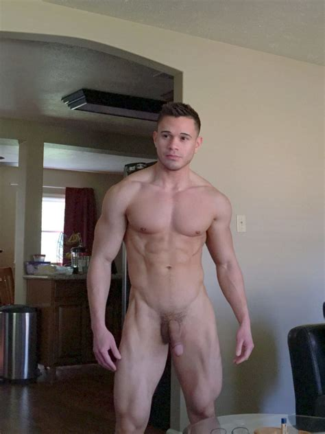 Cute Muscle Lad Fit Males Shirtless And Naked