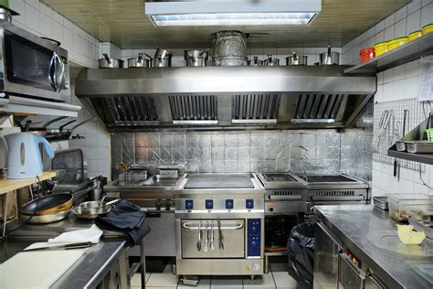 equipement cuisine commercial industrial degreaser cleaning solution for hoods