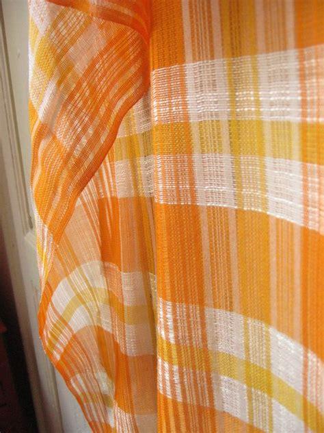 les 25 meilleures id 233 es de la cat 233 gorie rideaux oranges sur