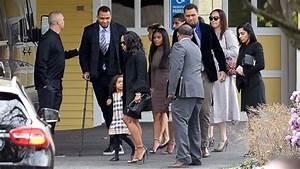 Aaron Hernandez's loved ones attend private funeral ...