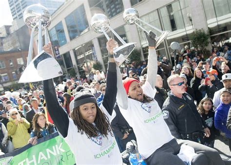 39 s parade 1259 photos lynx celebrate 3rd wnba title aiming for more