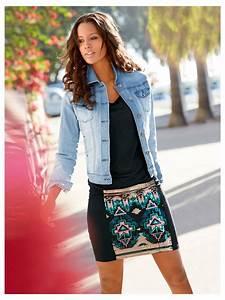 Tenue Printemps Femme : jupe en jersey veste en jean pour une tenue d contract e et ultra f minine collections mode ~ Melissatoandfro.com Idées de Décoration