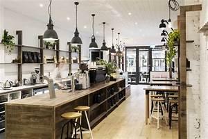 Decoration Industrielle Vintage : un caf la d co int rieure style industriel ~ Teatrodelosmanantiales.com Idées de Décoration