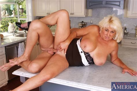 Ms Hayes Seduces A Younger Man In The Kitchen Pichunter