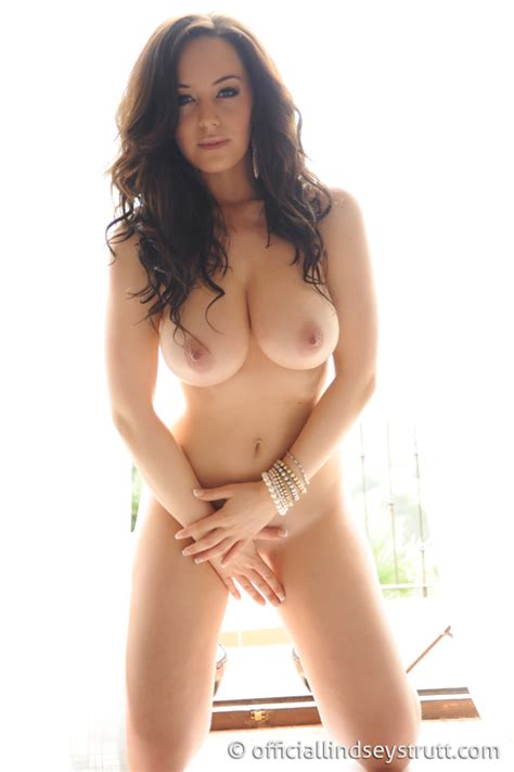 Lindsey Strutt Fully Naked And Hot Your Daily Girl