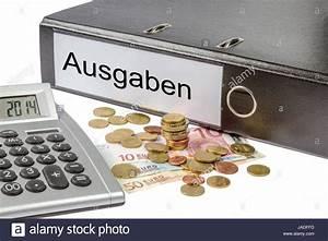 Bruttogehalt Berechnen : ein ordner mit der aufschrift ausgaben geld und taschenrechner stock photo royalty free image ~ Themetempest.com Abrechnung