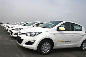 Hyundai I20 Blanche : hyundai levert eerste lot wagens aan wit gele kruis fleet management ~ Gottalentnigeria.com Avis de Voitures