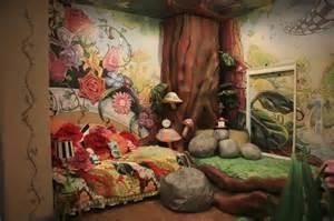 Alice In Wonderland Bedroom Decor by Alice In Wonderland Mural Alice In Wonderland Decor