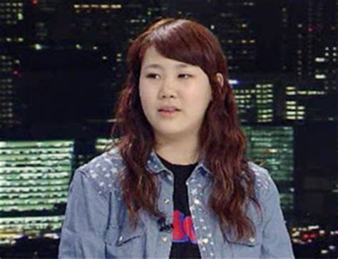 news park ji min adjusts  life  winner daily  pop