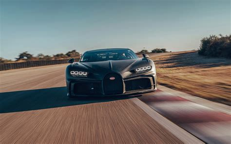 This bugatti chiron pur sport first appeared in showrooms in 2020. Bugatti Chiron Pur Sport voa mesmo a 350 km/h - Observador