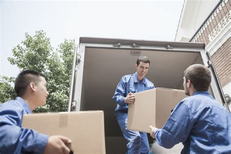 How much does it cost to hire a moving company or movers