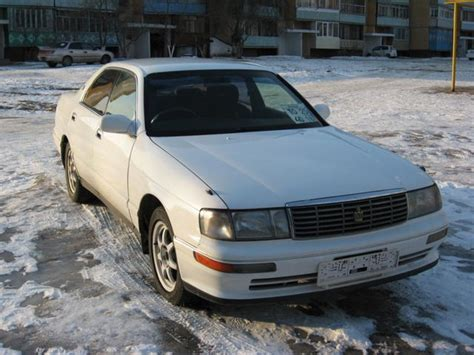 Used 1995 Toyota Crown Photos