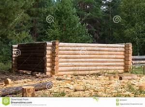 Agreable maison en rondin de bois prix 14 fabrication for Maison rondin bois prix 15 fabrication de la cabane en rondins en bois photographie