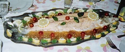cuisiner du saumon saumon entier froid les recettes de pyrie