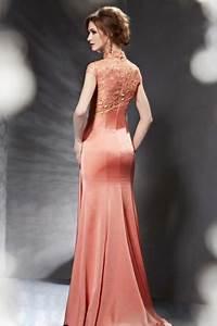robe corail pour soiree ornee de fronces et bijoux avec With robe de mariée dentelle avec parure bijoux soirée