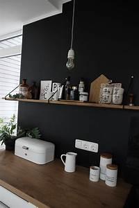 Küche Farbe Wand : eine schwarze wand f r die k che ~ Markanthonyermac.com Haus und Dekorationen