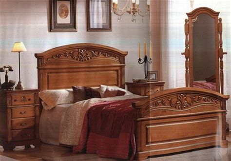 classic bedroom decoration with wood furniture ideas