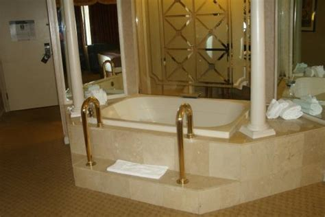accommodation tub garden tub picture of tunica roadhouse