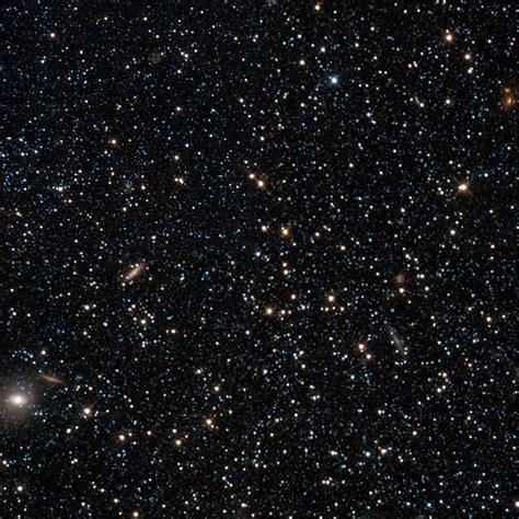 hubble sizes   dwarf galaxy esahubble
