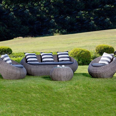 salotti in rattan da giardino salotto da giardino in wicker napoli con cuscini arredo