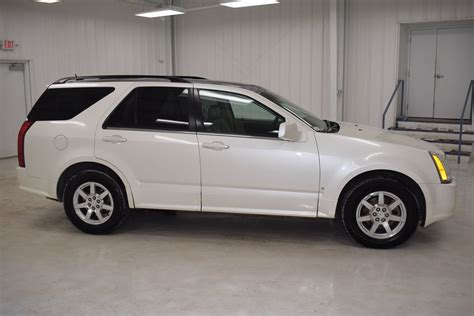 2006 Cadillac Srx V6 by Pre Owned 2006 Cadillac Srx V6 4d Sport Utility In