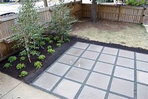 15 best images about backyard on pinterest rectangular for Concrete paver patio ideas