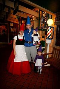 Gnomeo and Juliet | Clever Halloween Costumes | Pinterest