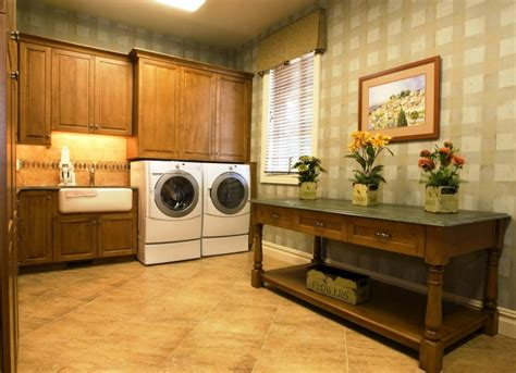 Decorating Ideas For Laundry Rooms by Special Laundry Room Decorating Ideas