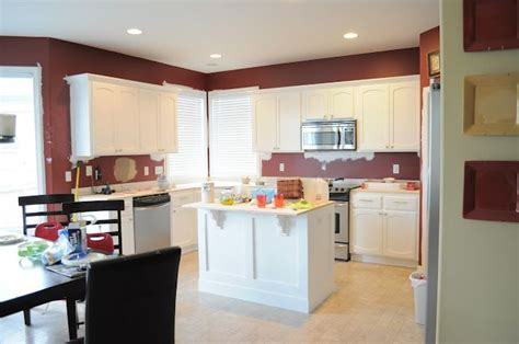 how to professionally paint kitchen cabinets no fear way to paint your kitchen cabinets and get a 8833